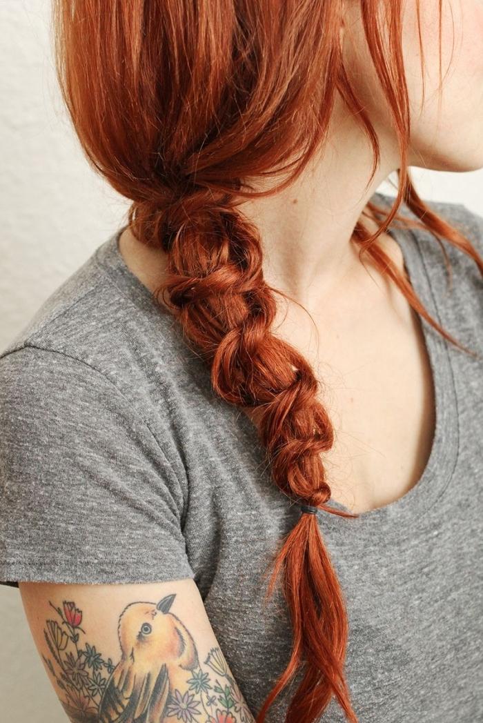 modele coiffure femme, comment faire une tresse originale avec mèches torsadées de côté