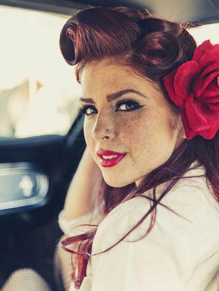 coiffure pin up femme rockabilly rock année 50 vintage