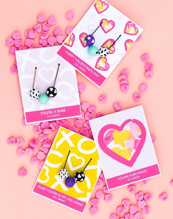 collier diy de chaine et des billes colorées à motifs divers, cadeau pour sa meilleure amie et pour sa copine