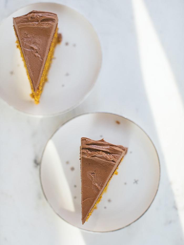 recette originale de gateau au chocolat moelleux à la purée de citrouille nappé de crème au beurre chocolat