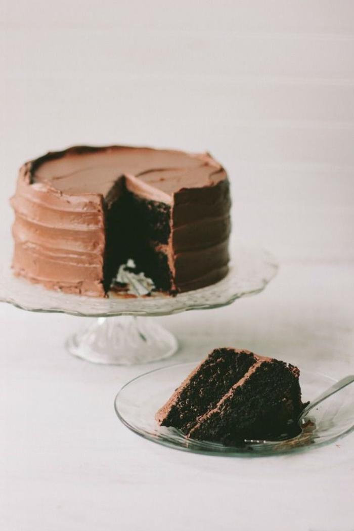 recette cake au chocolat avec glaçage au beurre chocolat que tout le monde va adorer