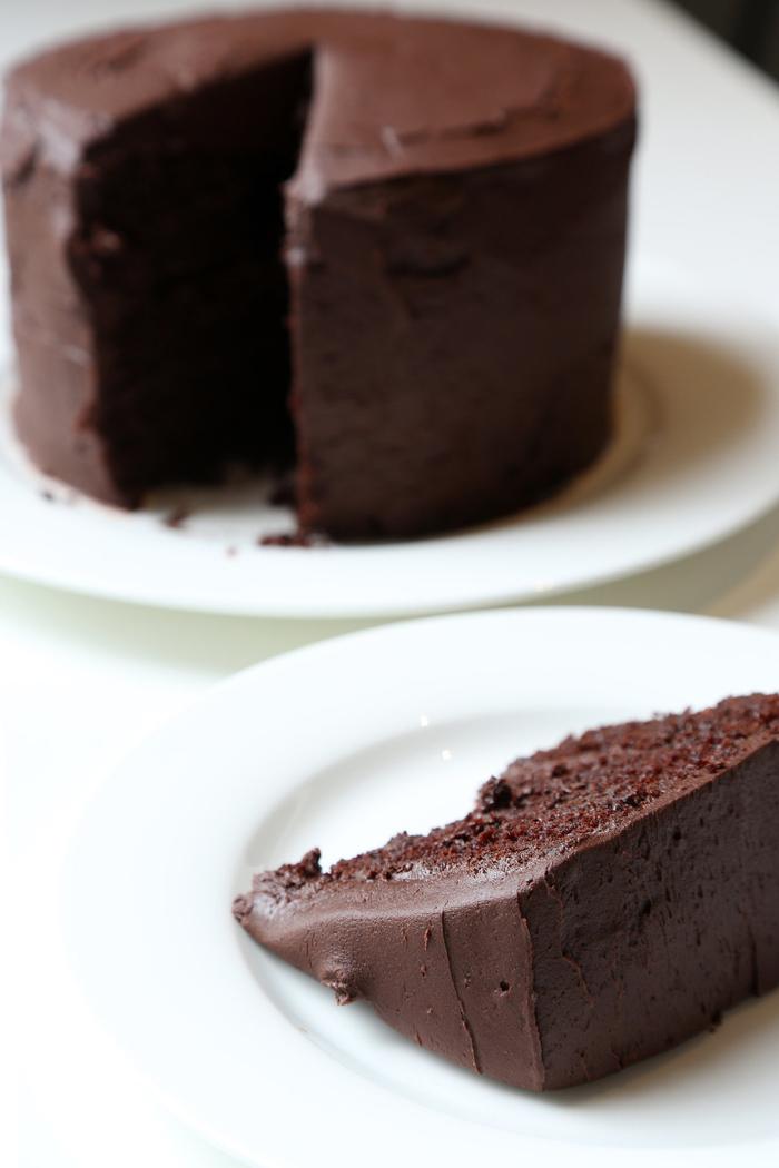 recette traditionnelle de gateau chocolat facile avec glaçage au beurre chocolaté