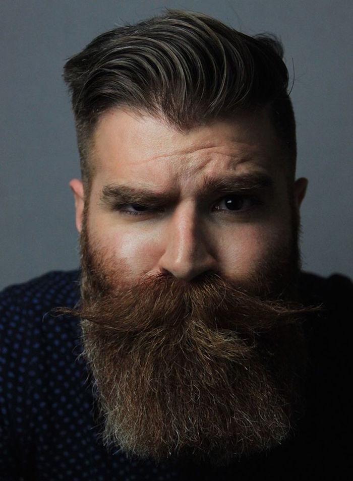 avoir une belle barbe et moustache longue et coupe homme a la mode