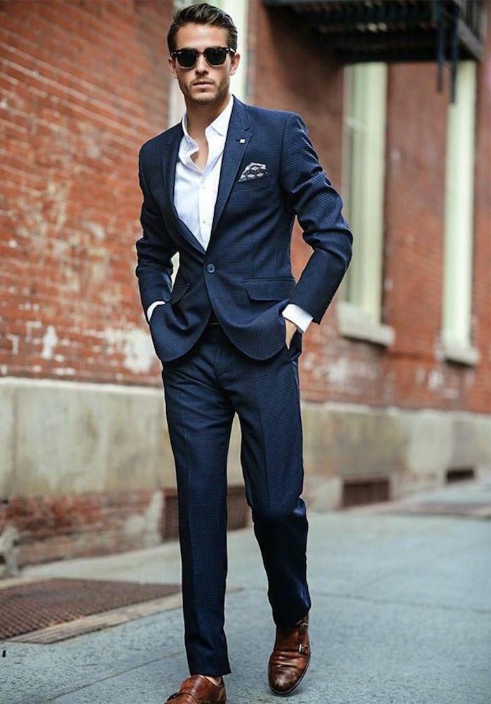 homme slim costume bleu marine chemise blanche coupe étroite
