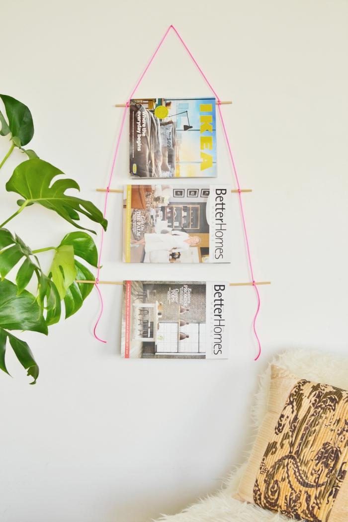 diy déco chambre fille, classeur magazines en branchette de bois et fils rose à accrocher sur les murs