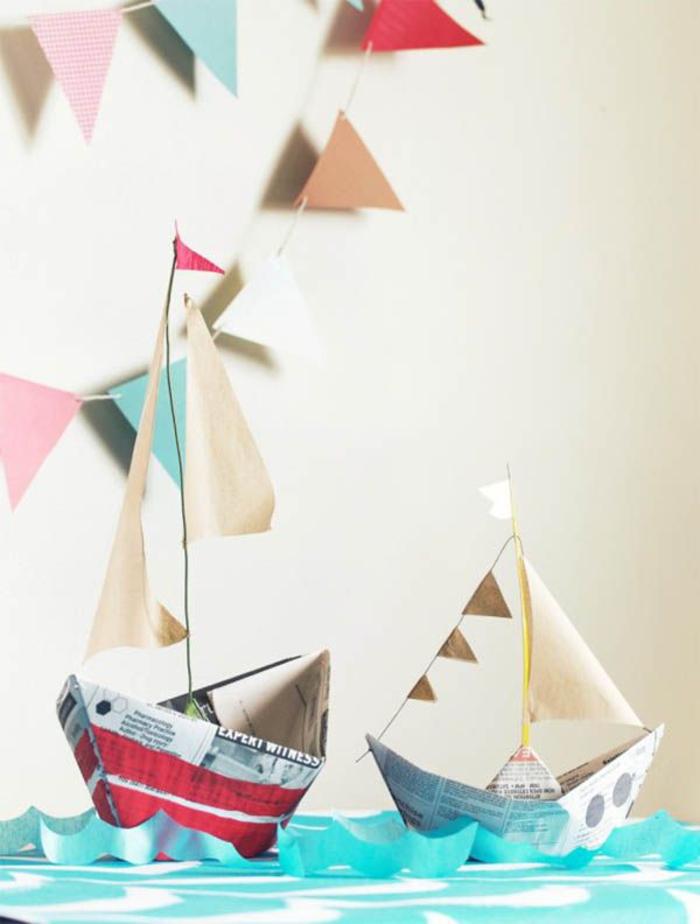 des activités manuelles enfants ludiques et intelligentes, deux modèles de bateaux en papier à réaliser pour la décoration d'anniversaire enfant