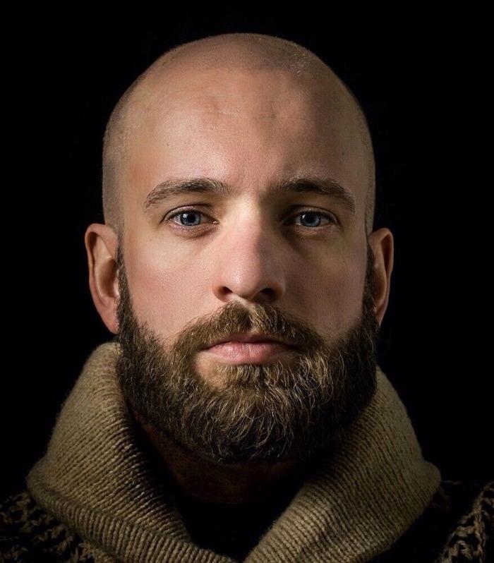 modele barbe avec crane rasé homme chauve et barbu