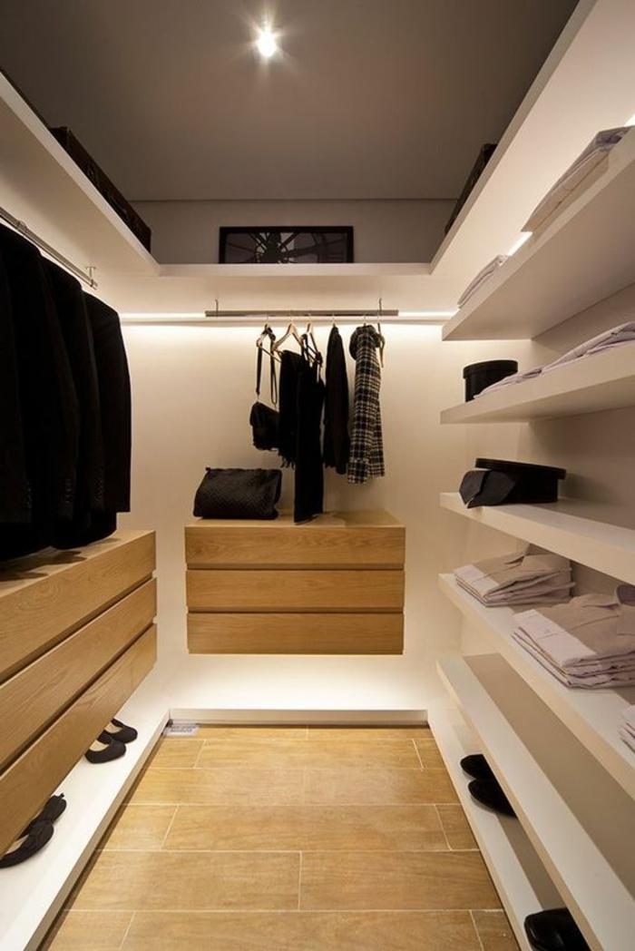 dressing chambre avec étagères suspendues, penderies, design d'espace minimaliste