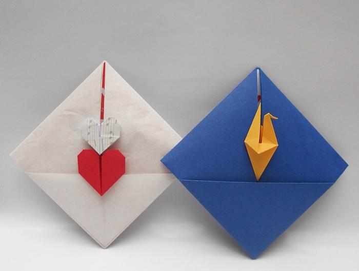 modèle d'enveloppes diy réalisées avec la technique de pliage origami et papier en couleurs