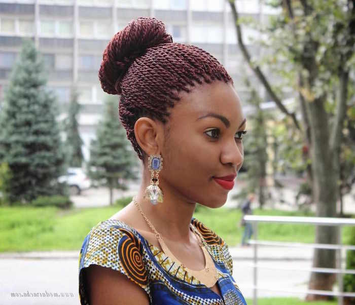 tresses collees en chignon tresse afro rouge