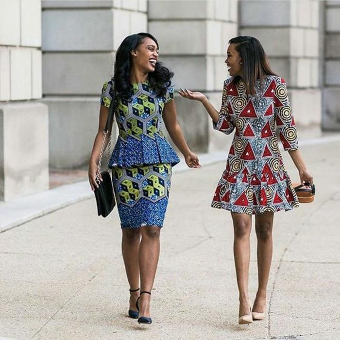 deux looks chic, robes en style vetement africain, mode africaine, motifs géométriques triangles et ruches, style de ville