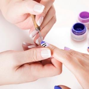 Manucure gel parfaite à la maison - explications, conseils et idées
