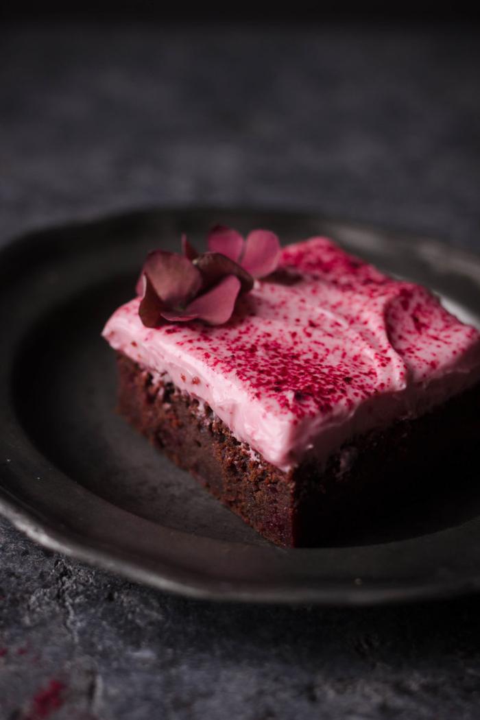 recette gateau au chocolat moelleux à la betterave avec glaçage mascarpone ultra léger et aérien