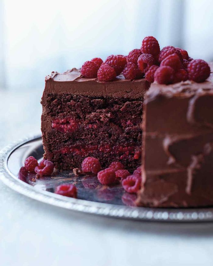 recette facile de martha stewart pour un gâteau au chocolat ultra moelleux avec framboises