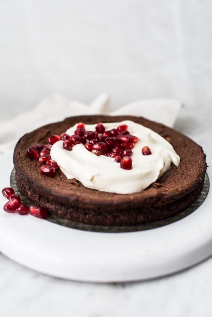 recettes pour gateaux au chocolat originaux sans farine, un moelleux suédois au chocolat et à la grenade