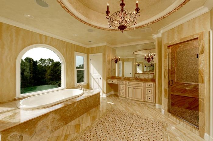 salle de bain en travertin, plafonnier splendide, joli faux plafond, salle d'eau spacieuse