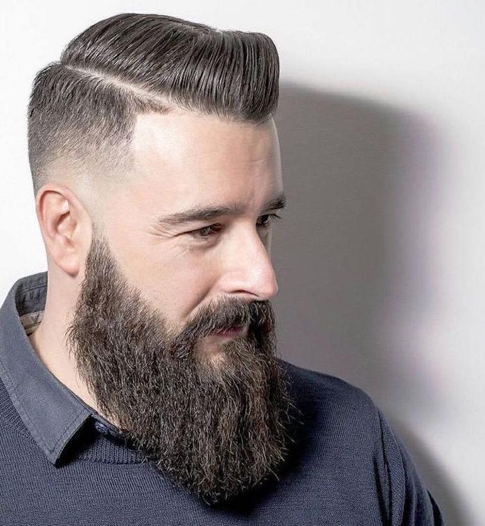 coupe pompadour en dégradé et barbe taillée en pointe
