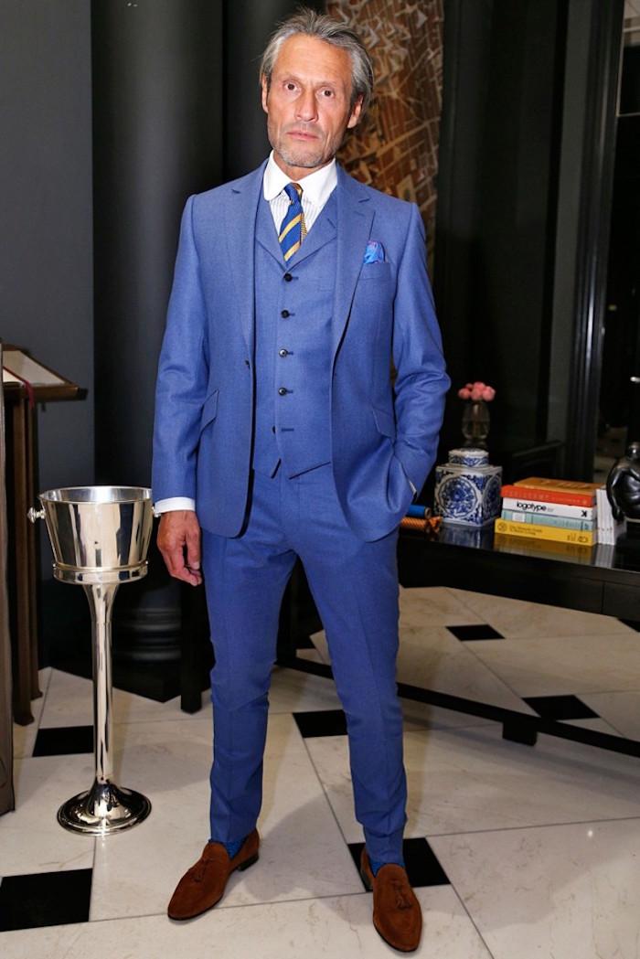trois pièces costume homme bleu électrique