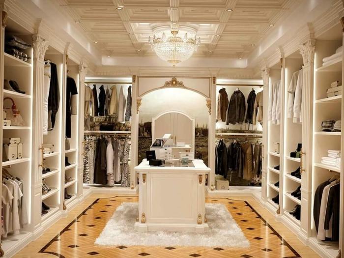 idée déco dressing, jolie pièce blanche, plancher en marbre, plafonnier splendide, grandes armoires ouvertes