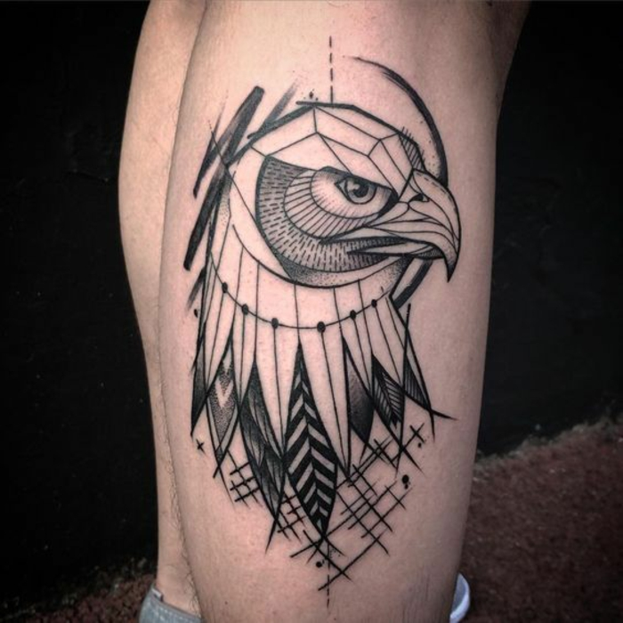 Symbole nordique tatouage signification force tatouage aigle oiseau geometrique tatouage