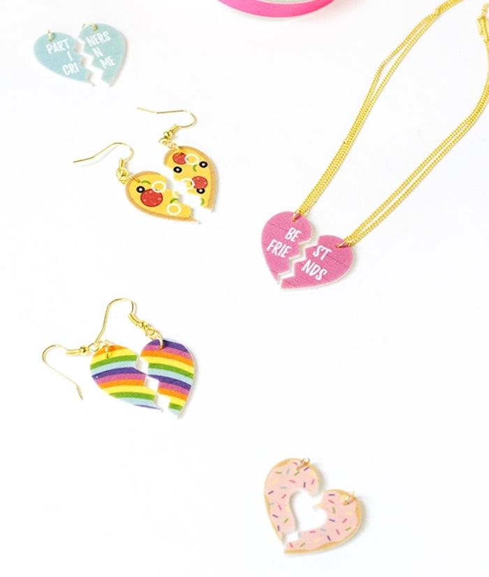 idée cadeau meilleure amie et copine collier meilleur amie en deux parties séparables, motif coeur, arc en ciel, donut, pizza