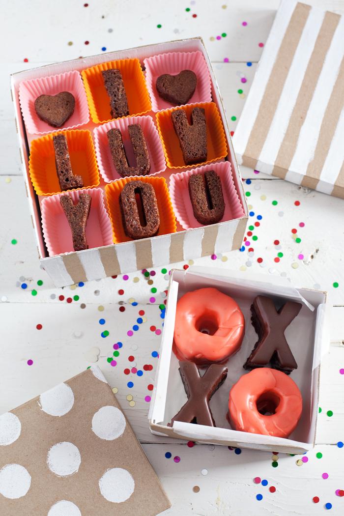 idée originale pour un cadeau st valentin gourmand, recette de petits gâteaux en formes de lettres idéales pour déclarer son amour de façon originale