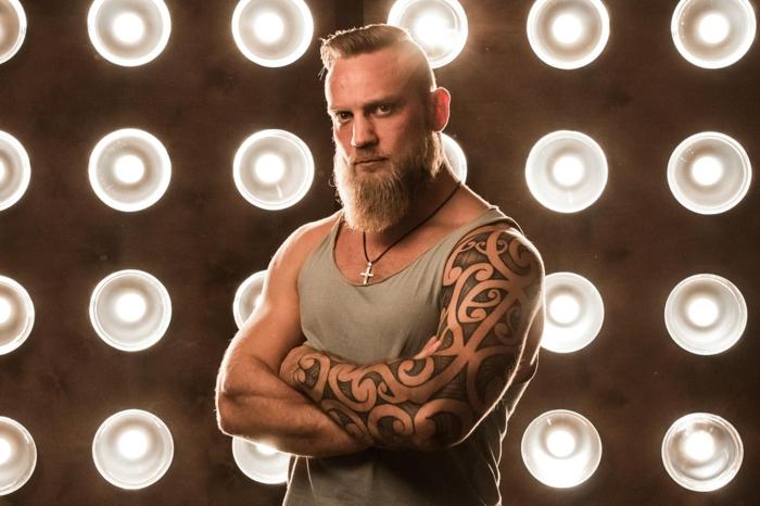 Idée tatouage rune viking symbole viking tatouage bras entier motif tatouage