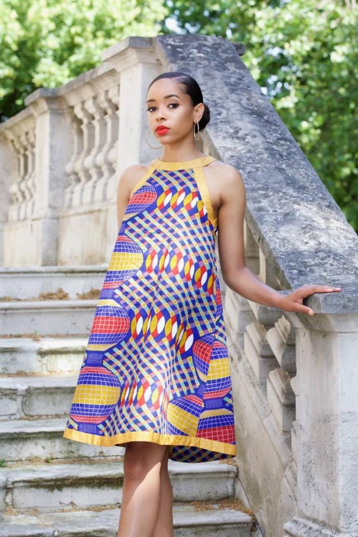 pagne wax africain pour vêtement femme, modèle de robe fluide mi-longue de tissu ethnique aux motifs géométriques