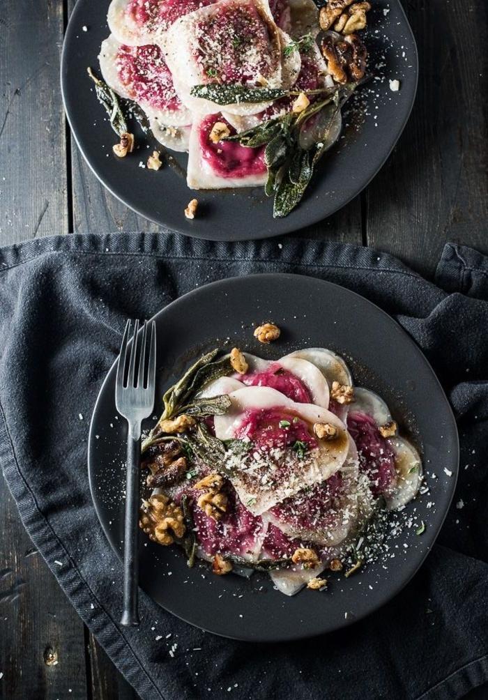 un menu st valentin gastronomique, recette de ravioli à la betterave rouge