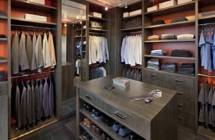 meuble dressing, placards muraux, île avec shoesing, penderies avec des chemises