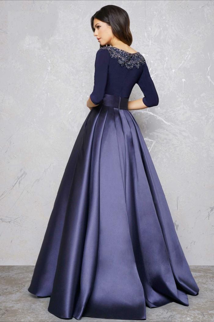 Idée de robe blanche manche longue comment s habiller pour une soirée robe longue de soirée