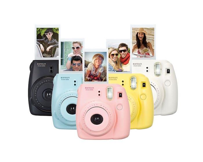 appareil photo polaroid de couleurs diverses pour des photos instantanées, cadeau anniversaire copine et st valentin