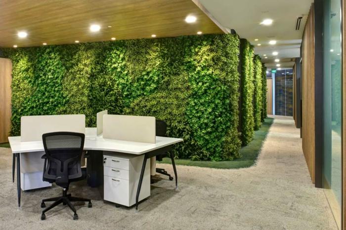 mur végétalisé dans un grand bâtiment, offices modernes avec jardin vertical