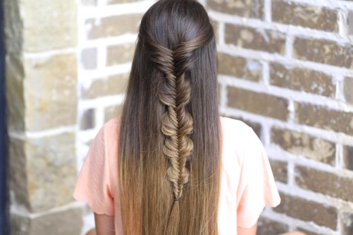 coiffure ado fille, tresse epi de ble, style princesse, cheveux style ombré hair, natte derrière la tête