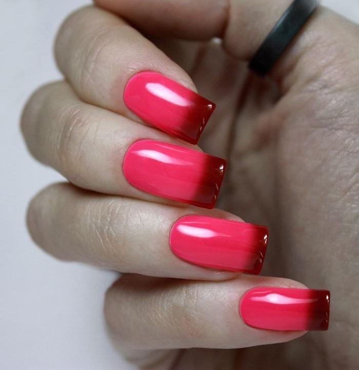 extensions et capsules gel pour rallonger les ongles courts, manucure en vernis gel rose et rouge, nail art technique ombre rose