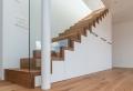 Optimisation de l'espace avec rangement, garde-robe ou placard sous escalier