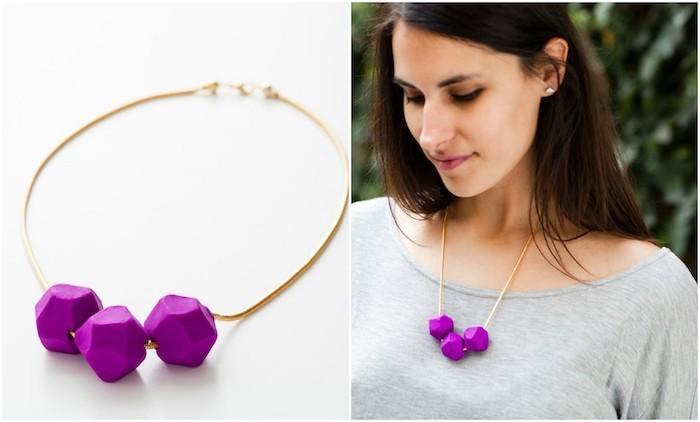 bijoux pate fim0, un exemple de collier femme a faire soi meme avec une chaine dorée et pendentifs violets en fimo