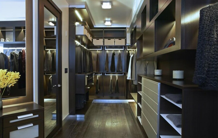 placard chambre, armoires penderies, gamme de couleurs sombre, plafond blanc