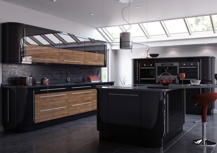 modèle de fenêtre de plafond blanc, crédence de cuisine à design briques noires avec comptoir noir matte, cuisine aménagée