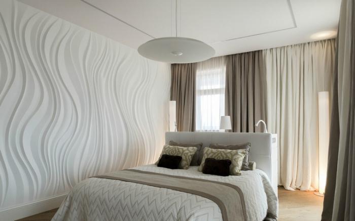 quelles nuances associer avec la couleur ecru dans une chambre adulte à design moderne aux murs blancs