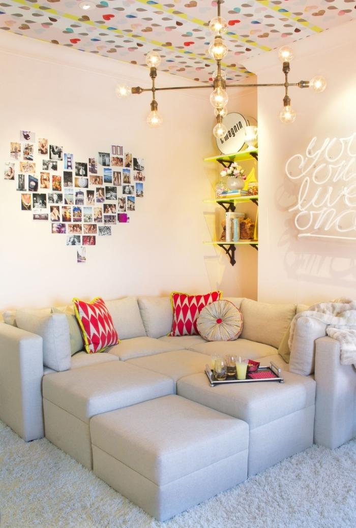 que faire avec les photos, déco murale avec photos en forme de coeur sur les murs blancs dans la chambre ado