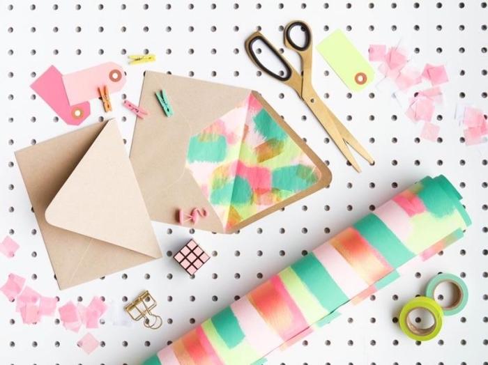 comment faire une enveloppe en papier, décoration d'enveloppe en papier recyclé avec papier à design peinture aquarelle