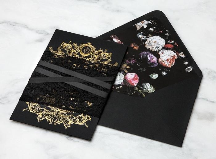 enveloppe kraft, modèle d'enveloppe et carte d'invitation stylée en papier noir et décoration florale et dorée