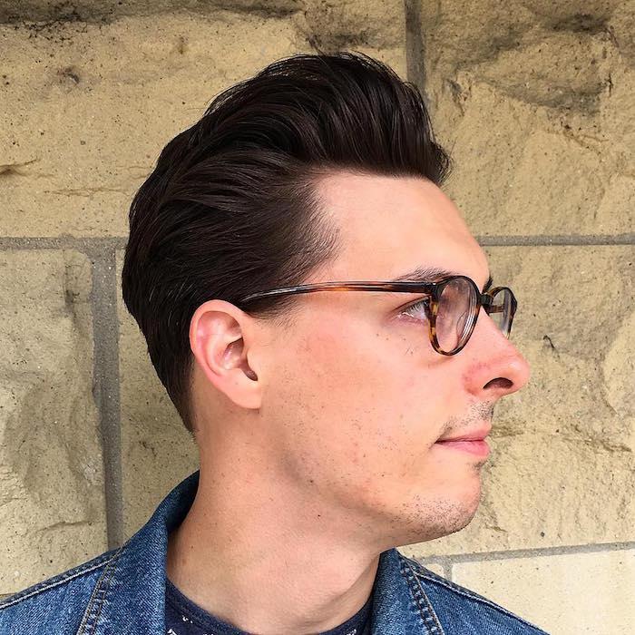 coupe de cheveux stylé homme en arriere volume