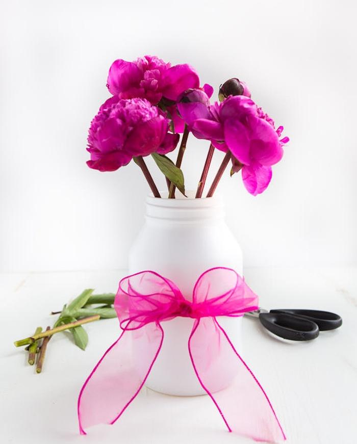 offrir des fleurs une amie picjpg with offrir des fleurs une amie good lesquelles offrir en. Black Bedroom Furniture Sets. Home Design Ideas