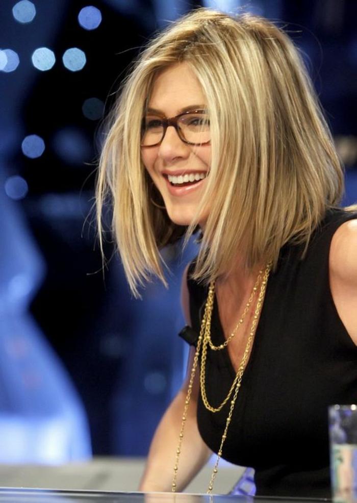 1001 id es pour une coiffure pour visage ovale les for Coupe de cheveux femme avec double menton