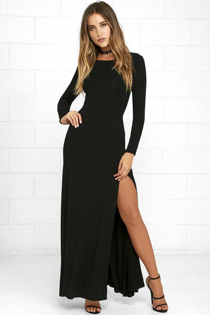 Jolie robe noire manches longues quelle robe aujourd hui robe longue fendue robe longue noire avec manches longues