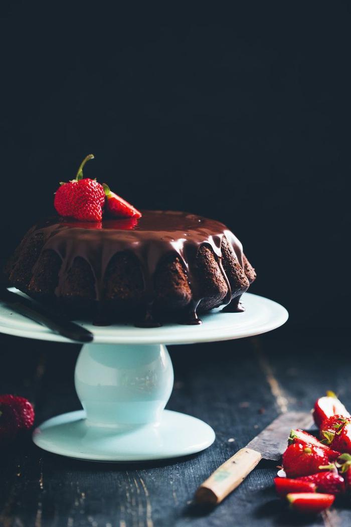 recette facile et rapide de gateau au chocolat moelleux avec bananes et amandes, recette de ganache cappuccino