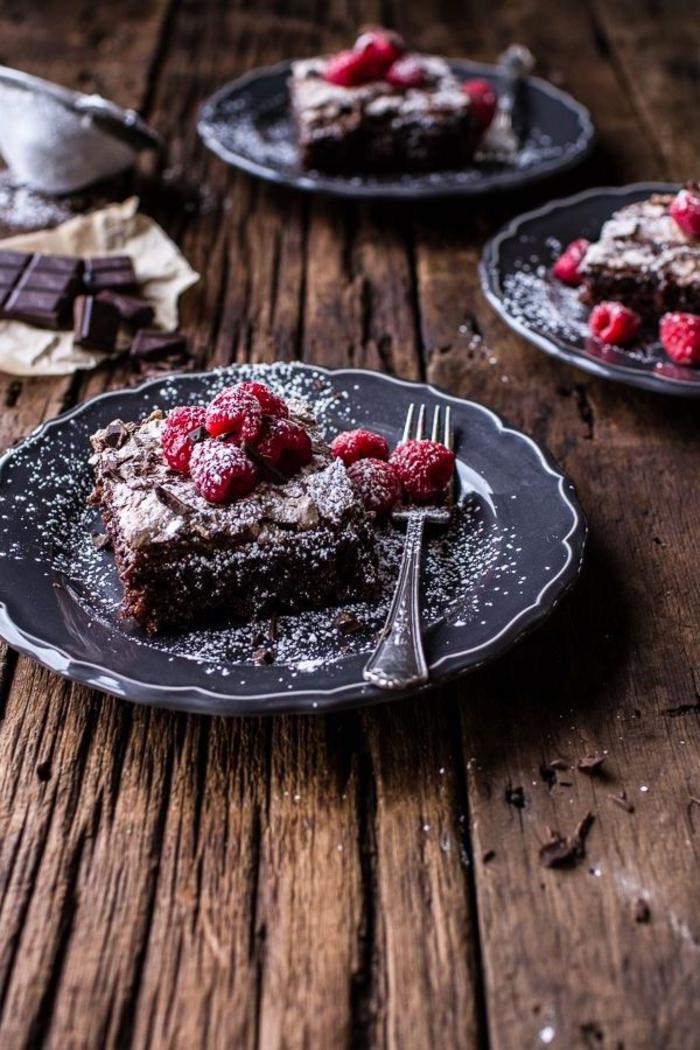 une recette gateau au chocolat moelleux et fondante délicieuse au chocolat meringué
