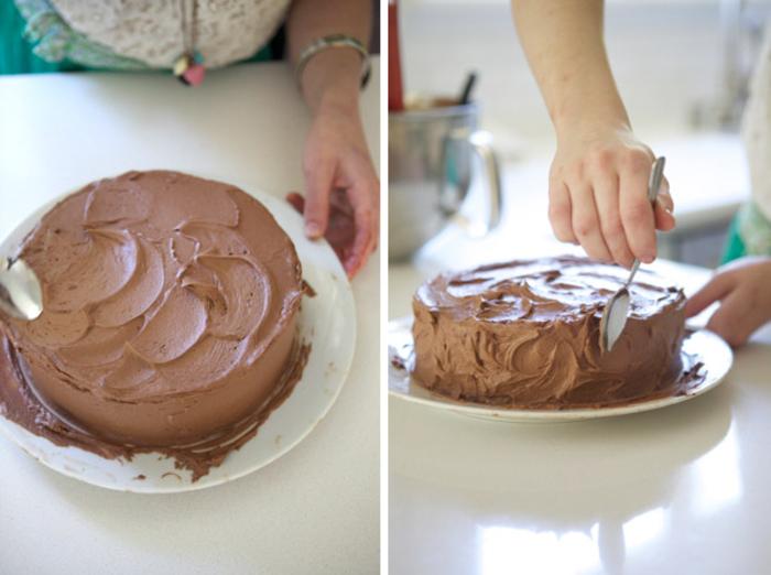 nappage gâteau au chocolat facile, recette de layer cake au chocolat traditionnel avec crème au beurre chocolat